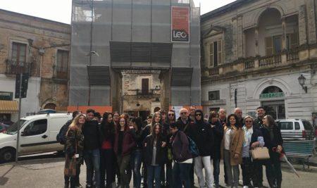 Alternanza scuola-lavoro presso il cantiere di restauro della Porta Grande a Mesagne.