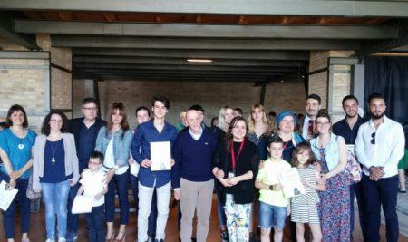 Primo premio Nazionale – Museo Omero di Ancona – con un'opera inedita: Finimondi di terre da ogni parte del mondo.
