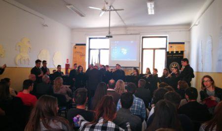 Consegnati a sei studenti del Liceo Musicale Simone-Durano gli abbonamenti alla stagione concertistica Brindisiclassica donati dal Rotary club Brindisi Valesio