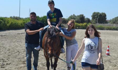 """""""Equitazione per l'Integrazione"""": Centro ippico CEAS Centro Equitazione AltoSalento"""