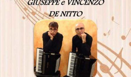 """BARI.""""Una fisarmonica per due"""". Al Petruzzelli di Bari un duo padre-figlio sulle note del tango"""