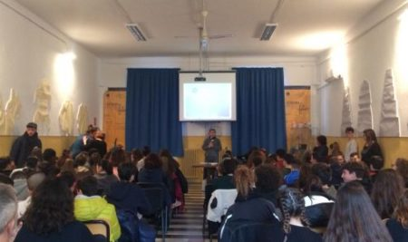 """Fumetti come arte: Giuseppe Sansone incontra i ragazzi del Liceo Artistico""""E. Simone"""" di Brindisi"""