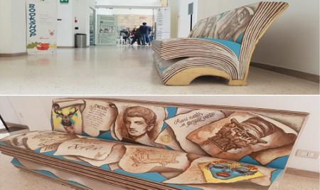 """Inaugurata a Brindisi la panchina letteraria realizzata dagli alunni del Liceo Artistico """"E. Simone"""""""